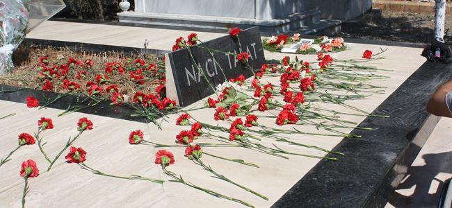 Naci Talat mezarı başında anıldı