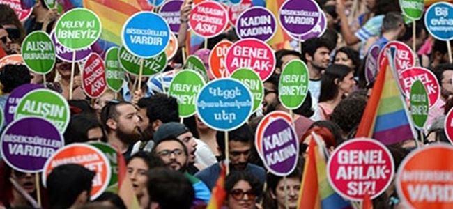 Binlerce kişi LGBTİ haklarına dikkat çekmek için yürüyecek.