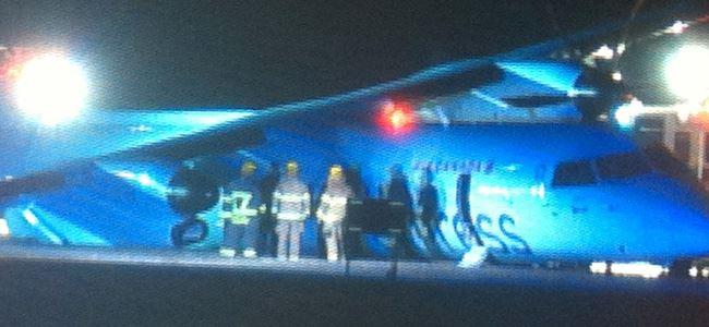Acil iniş yapan uçakta 6 kişi yaralandı