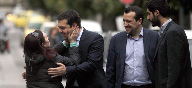 """""""Tsipras kemer sıkma şartlarını kabul etti"""""""
