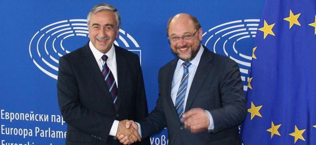 Akıncı, Brüksel'de Martin Schulz'la görüştü