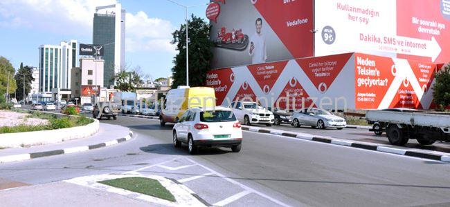 Cadde trafiğe açıldı