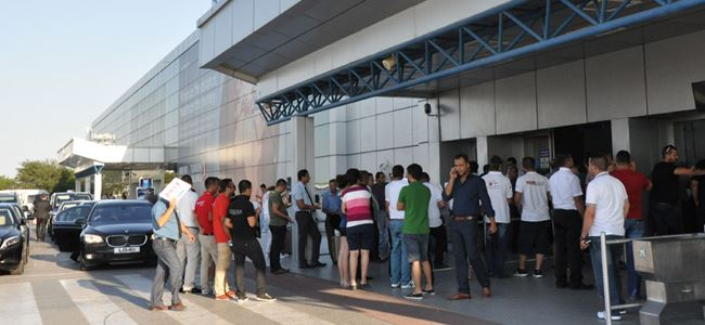 Ercan Havaalanı'nda 'Bayram' yoğunluğu
