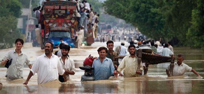 200 bin kişi sellerden etkilendi