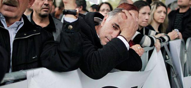 Kıbrıslı Rumların ülkedeki ana sorunu: Ekonomik kriz