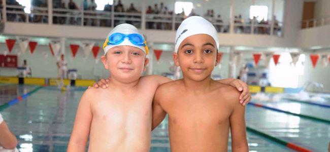 Yüzmede 235 sporcu yarıştı
