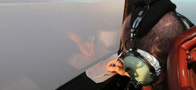 Malezya uçağına ait parçalar bulundu