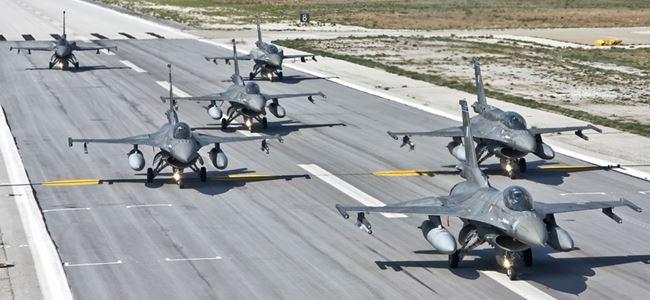 ABD askeri uçakları İncirlik Üssünde