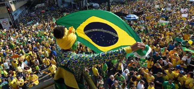 Brezilya halkı hükümete karşı sokakta