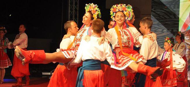 Pulya Festivali'nde ülkeler gecesi