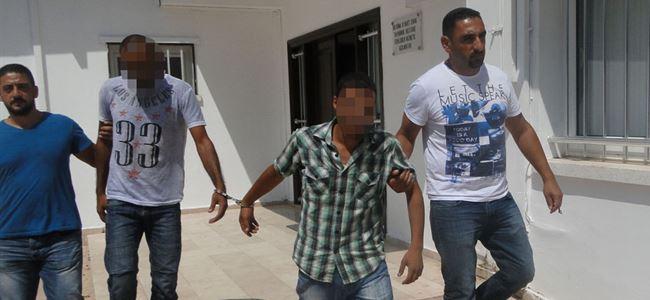 Kaçak geçtiler, uyuşturucuyla yakalandılar!