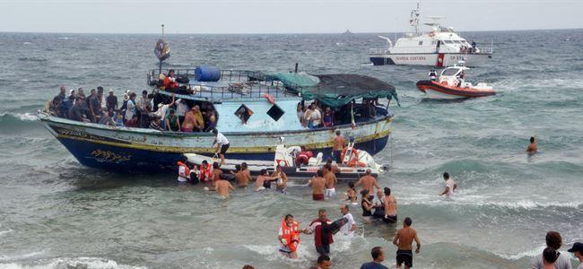 Larnaka açıklarında can pazarı