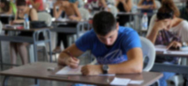 Anadolu Güzel Sanatlar Lisesi sınavı yapılıyor