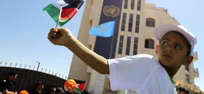 Filistin bayrağı BMye asılıyor