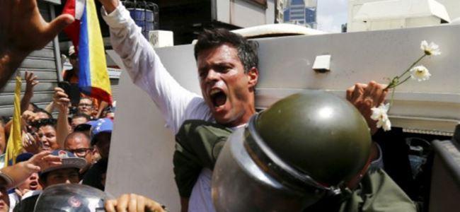 Venezuelada muhalif lidere hapis cezası