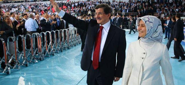 Davutoğlu yeniden AKP genel başkanı oldu