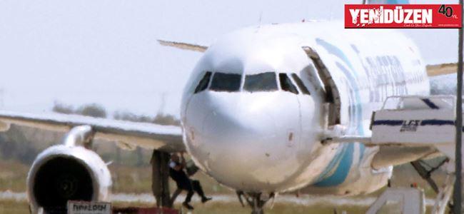 Kaçırılan uçağın yolcuları Mısıra döndü