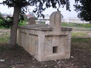 Yeroşibu Osmanlı Mezarlığı