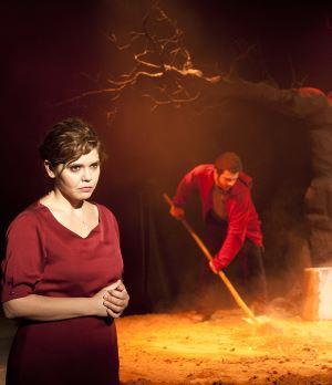 'Kayıp'la Hamlet arasında: 'Kurtulamıyorsun' sonuçta!