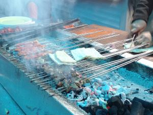 Adana'da sabah 05.00'de rakı ve ciğer tadı