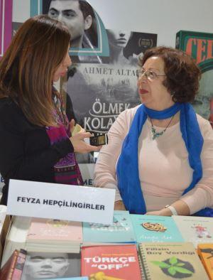 İzmirli edebiyatçılar Adres Kıbrıs'a konuştu