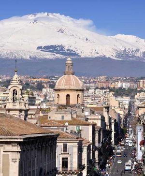 Sicilya'nın siyah şehri Catania