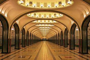 Yeraltı sarayları: Sovyet metrosu