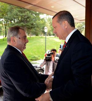 Sağdaki Son Kırılma: Kıbrıs Türk Futbol Federasyonu Meselesi