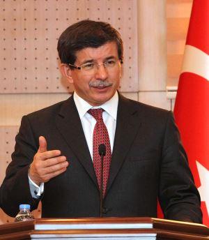 Türkiye İstikrarlı Bir Demokrasiye Dönüşmeden Küresel Bir Güç Olamaz