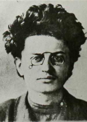 Katledilişinin 75. Yılında Lev Troçki 20. Yüzyılın Şafağından Asrın Gece Yarısına!