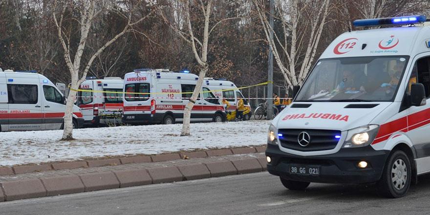 Kayseri'de Erciyes Üniversitesi önünde patlama