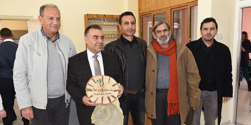 Kıbrıslı Rum öğretmenlere iki okulumuz kapılarını açtı