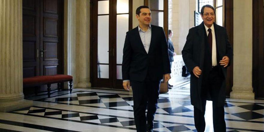 Anastasiadis- Tsipras: Kıbrıs modern bir devlet olarak birleşmeli