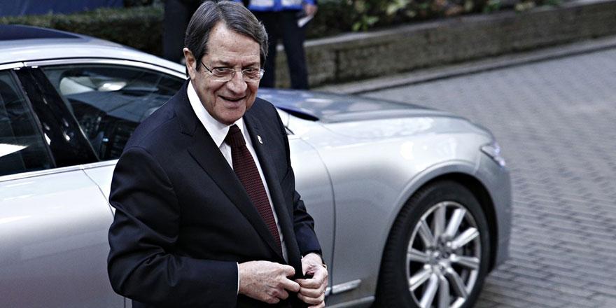 Anastasiadis NATO'nun garantörlüğünü tartışmaya hazır