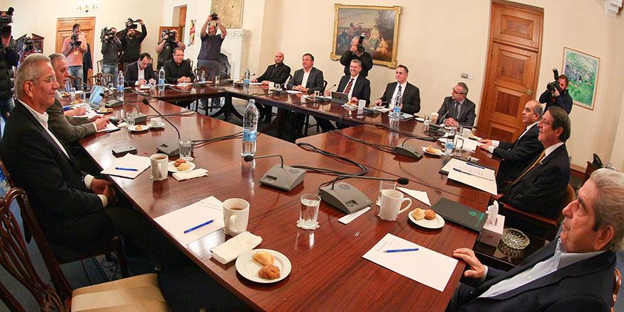 Parti başkanları Anastasiadis'e eşlik edecek