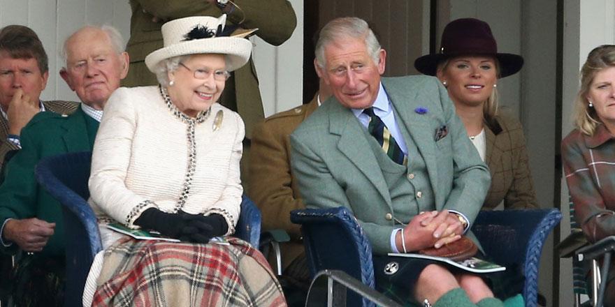 Kraliçe 2. Elizabeth kamuoyu önüne çıkt
