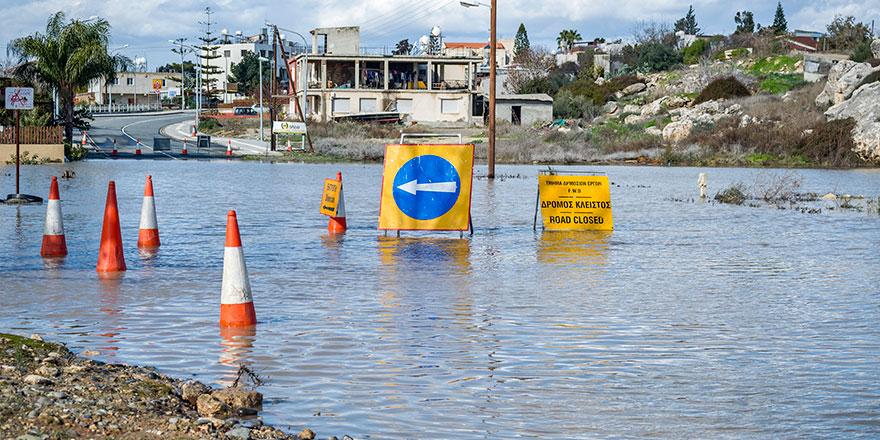 Limasol yağmura teslim