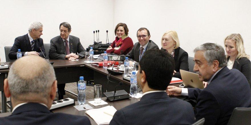 """İKV Başkanı Zeytinoğlu: """"Kıbrıs müzakereleri̇nde tari̇hi̇ fırsat kaçırılmamalı"""""""