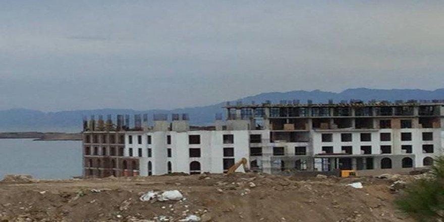 Girne Belediyesi bu binayı mühürlemek için neyi bekliyor?