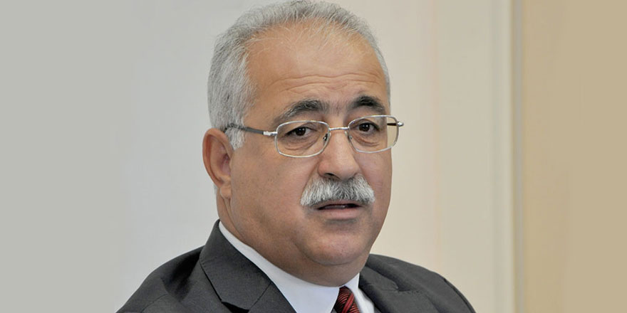 """İzcan: """"Kıbrıs'ta yaşanan sorunlar baskı ve tehditlerle aşılamaz"""""""