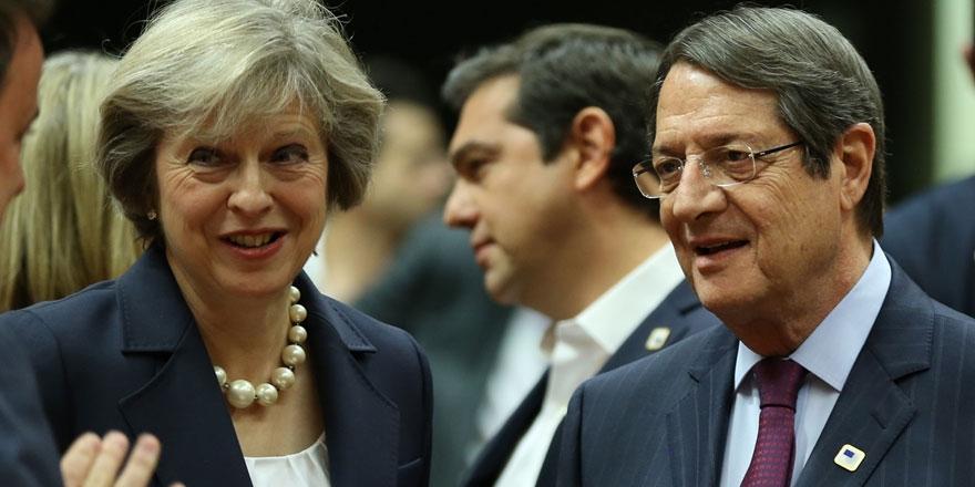 Anastasiadis, Theresa May ile görüştü