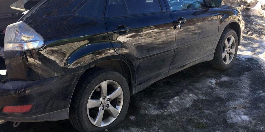 Trodos'ta araç lastiklerini patlattılar