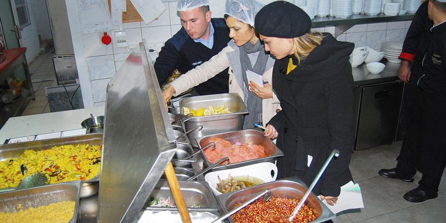 Girne'de sağlıksız  iş yerleri mühürlendi