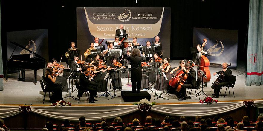 Senfoni konserleri sürüyor