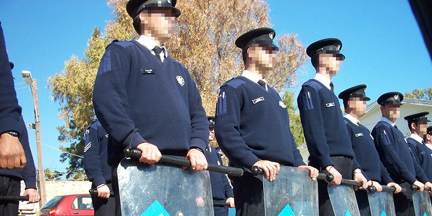 23 polis nakil oldu
