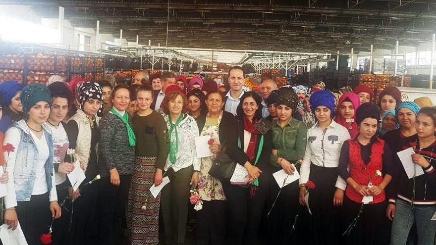 Kadınlar fabrikada: Tüm kadınlar emekçidir!