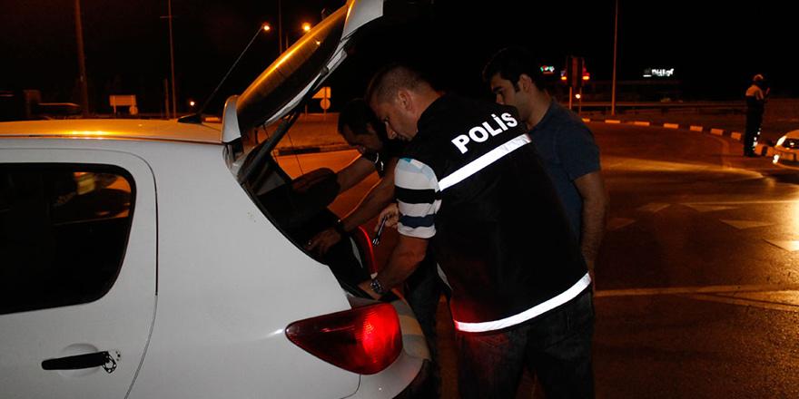 Kumarhaneye girenlere polis ceza kesti