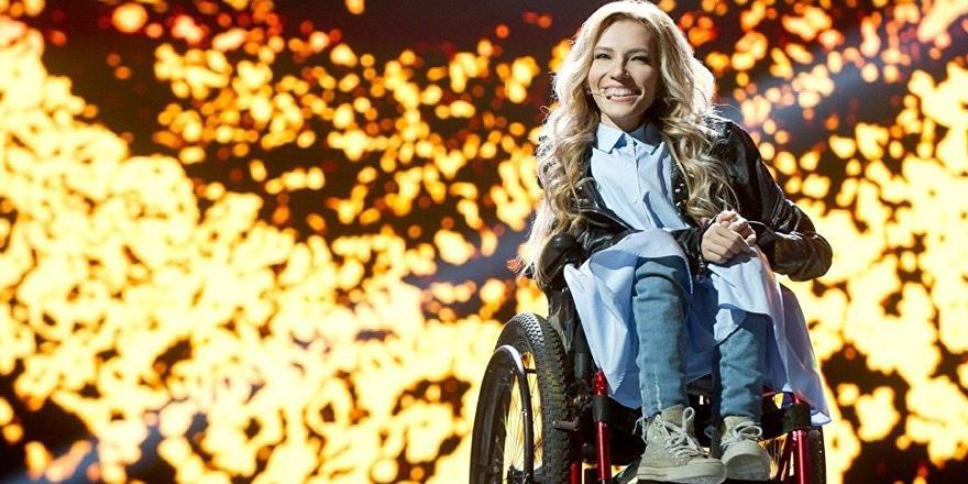 Eurovision'da Rusya'yı engelli şarkıcı temsil edecek