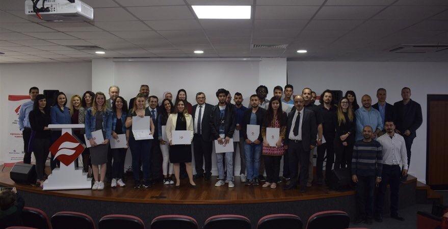 Başarılı öğrenciler sertifikalarını aldı