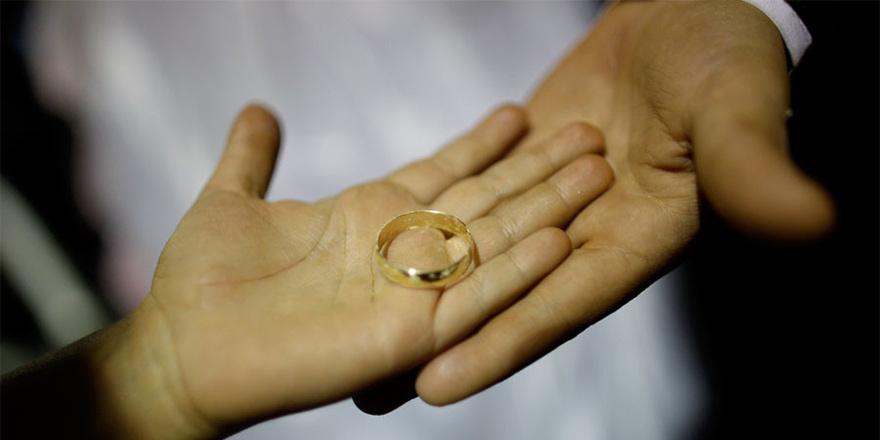 1204 evlenme,  841 boşanma!